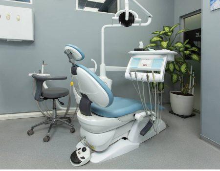 התאמת כתרים בשיניים